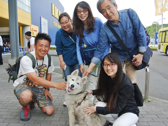IKEA港北犬猫譲渡会に来場した家族と愛犬